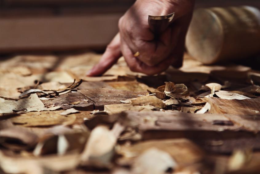 Scultura è una pagina di riflessione su sciò che l'autore sente e prova, facendo scultura